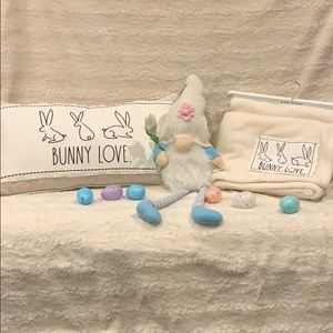 ❗️Rae Dunn Easter pillow and throw blanket set
